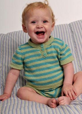 Gratis strikkeopskrifter: Det fine, stribede sæt er hurtigt strikket og super praktisk til små legebørn