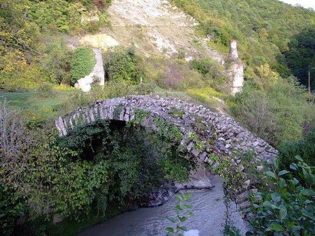 Le pont Besleti ou pont de la reine Tamar   pont besleti pont de la reine tamar 2