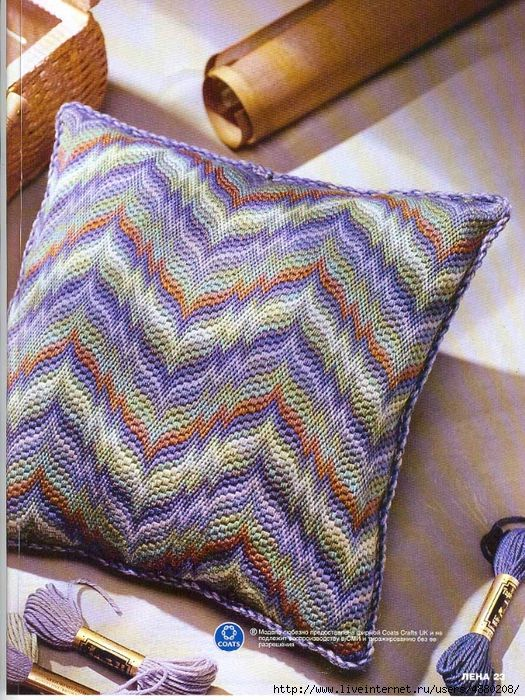 bargello needlepoint pillow// Bordado de Tapiceria/ Maria L.bertolino/ www.pinterest.com...