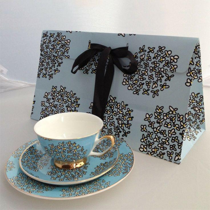 Blue wallpaper design fine china tea set