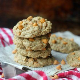 Oatmeal raisin cookies could not get any easier! This recipe calls for very few ingredients and results in soft and chewy cookies with hints of cinnamon. This simple recipe is made without baking powder or baking soda which keeps the ingredient list so short!