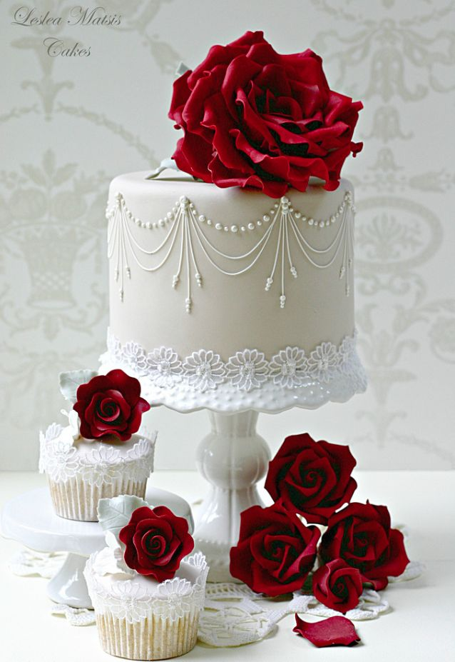 Featured Cake: Leslea Matsis Cakes; 26 Elaborate Wedding Cakes with Exquisite Sugar Flower Details. http://www.modwedding.com/2014/01/18/26-elaborate-wedding-cakes-with-exquisite-sugar-flower-details/ #wedding #weddings #cakes