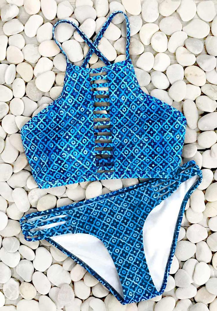 Have it, ladies.Make yourself more fashion sense. Awesome, only $23.99 now! Short Shipping Time! Have cool feeling with this high-quality and soft Blue Island Rhombus Print Bikini Set. Pick up fantastic swimsuits at Cupshe.com !