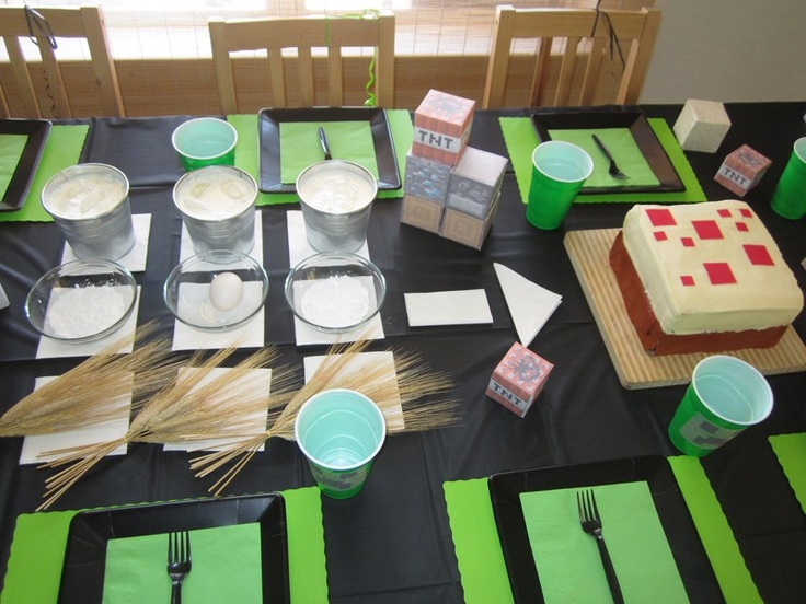Crafting Table And Minecraft Cake Mine Craft Party