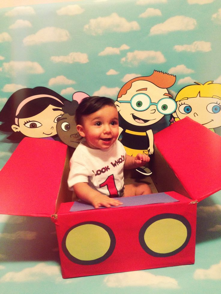 Little Einsteins birthday photo booth