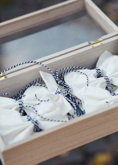 #Hochzeitsdeko #Autodeko #Dekoration #Autoschleifen #Fliege #weddingsdecoration