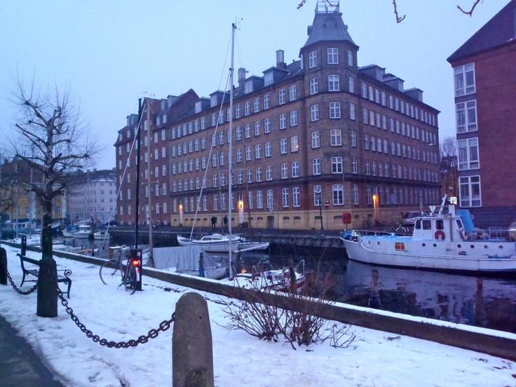 Neve na charmosa Copenhague, no bairro Christianshavn, mais dicas sobre Copenhague no Blog Planningmytravels.com