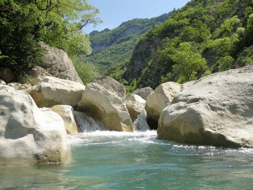 """La rivière Roanne et ses """"piscines"""" naturelles - Drôme France"""