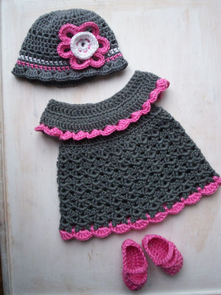 hieke's Chou chou - Dress, Booties & Beanie: 1) http://www.bevscountrycottage.com/baby-pinafore.html 2) http://www.ravelry.com/patterns/library/baby-pinafore-with-ruffles 3) http://www.ravelry.com/projects/hieke/baby-pinafore-with-ruffles