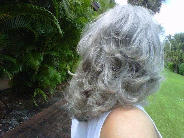 This is sooo, pretty, the pretty swirls of layers of silver.  I have always loved this layered hairstyle hair-color silver.. I love the natural platinum silver color