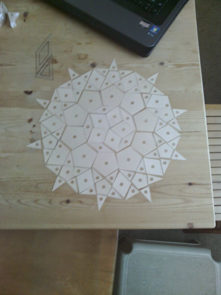 Read More Good Books: Paper-piecing, continued: Playing with the Passacaglia quilt pattern of Willyne Hammerstein