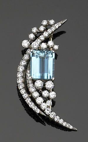 An aquamarine, diamond and platinum brooch, McTeigue