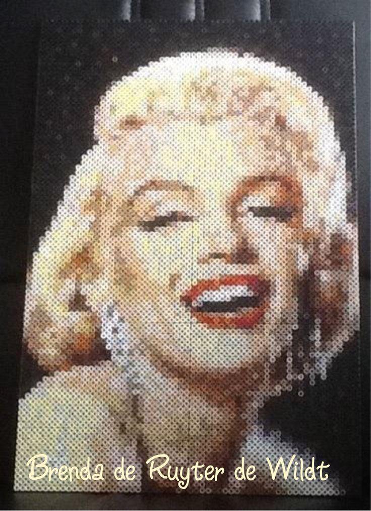 Marilyn Monroe 30x45 cm 5400 strijkkralen