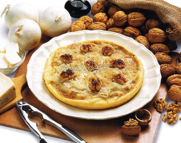 Hagymás pizza sajttal és dióval | Receptek | gasztroABC