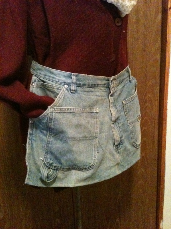 Upcycle old jeans gardening apron such a great idea for Jeans upcycling ideas