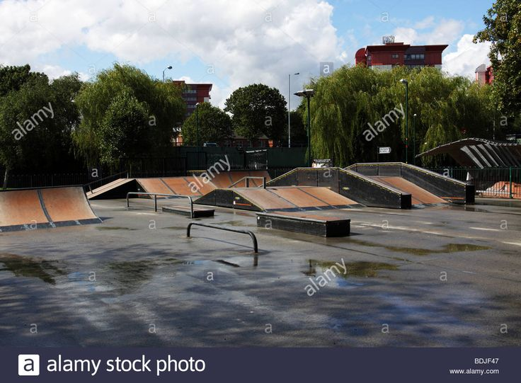 urban-skate-park-located-within-the-subways-of-wolverhampton-ring-BDJF47.jpg (1300×956)