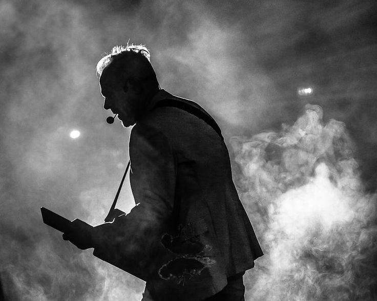 Howard Jones © DeadFly Media / Andy Wright Studios - All Rights Reserved  Music Photography, Concert Photography, Touring Photography, Live Music Photography, Rock, Bands, Artists, Musician, Musicians, Live Music, Concert, Gig, Performing