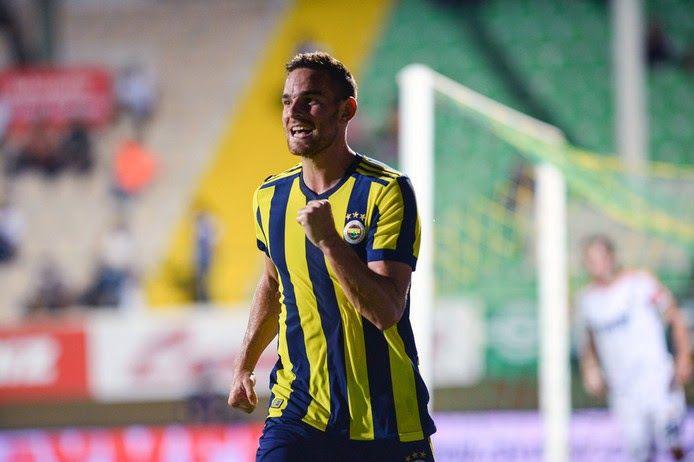 Η Fenerbahce ενδιαφέρεται να κρατήσει εκ νέου τον επιθετικό της ομάδας μας Vincent Janssen, σύμφωνα με δημοσιεύματα από την Τουρκία.