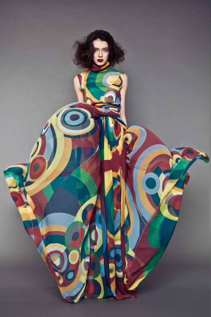 lla Malomane, one of Sonia Delaunay's descendants, has relaunched, for Spring/Summer 2014, Sonia Delaunay's fashion designs.