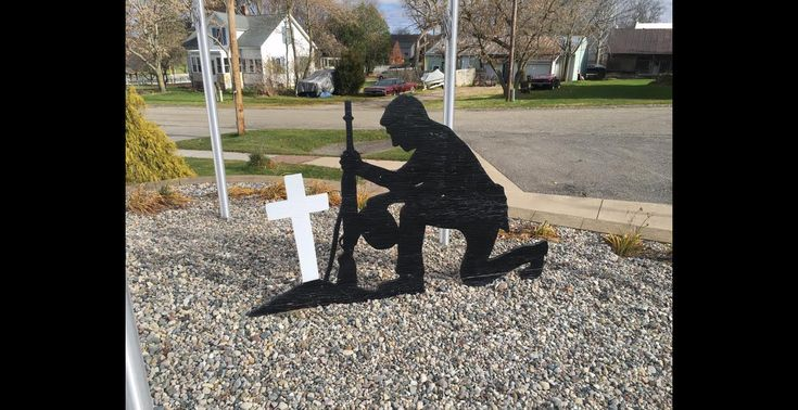 Atheists Ask Michigan Town to Remove Veterans Monument Honoring Only Christian Soldiers