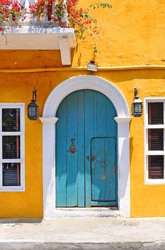 Blue door in Cartegena
