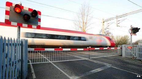 Regulators tell Network Rail to cut costs #rail