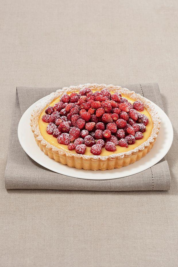 Crostata con crema Chantilly e fragoline