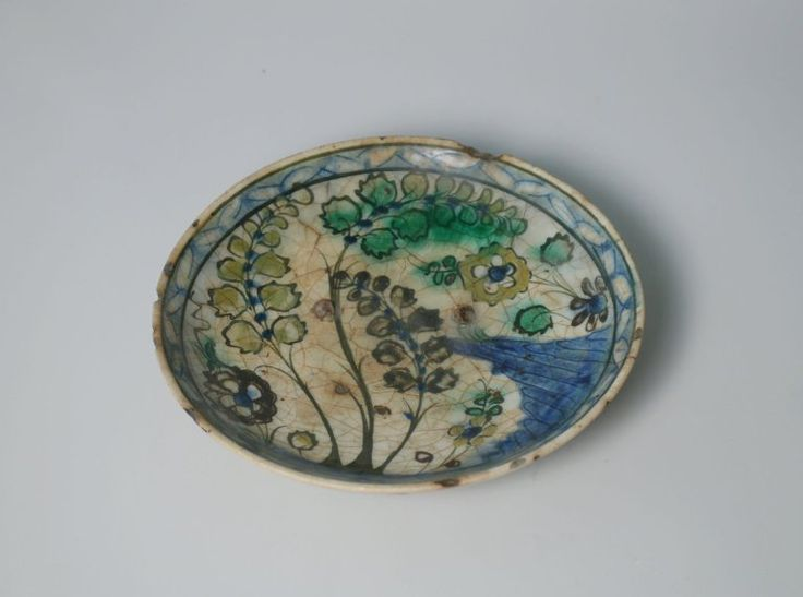 Islamic plate, 17th century. Earthenware, kubachi. Brooklyn Museum collection.