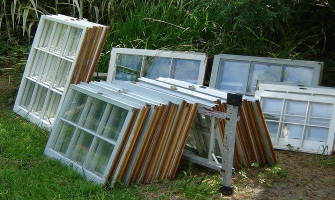 Αν έχετε παλιά παράθυρα μην διανοηθείτε να τα πετάξετε. Δείτε πως μπορείτε να τα «ανακυκλώσετε» και να μεταμορφώσετε το σπίτι σας!