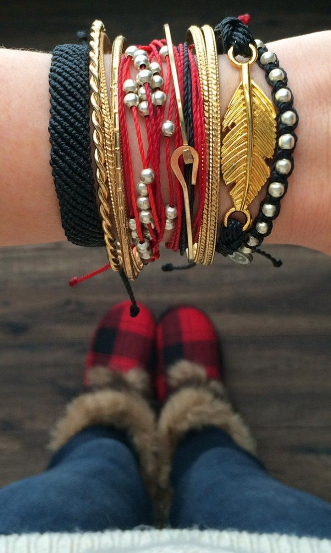 Pura Vida Bracelet Style Pack featuring their Flat Braided, Platinum, Studded, and Gold Feather Collection.