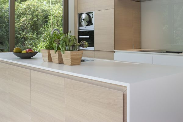Thin bench top & colour palate