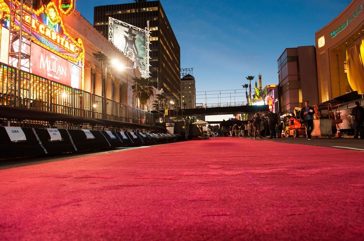 Are you a film enthusiast and keen to feel like a movie star for one night ? This year, Oikos London Gold Members will have the opportunity to walk down the red carpet on the Oscars or BAFTA Awards. A limited number of positions are available at the moment. Contact our dedicated concierge desk to find out more: http://oikoslondon.co.uk/ #OikosLondon #PrivateMembersConcierge #BAFTAAwards #Oscars