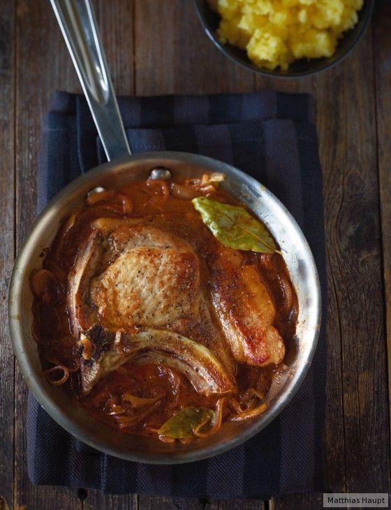 Mal was Ehrliches: Kümmel, Majoran und Lorbeer versorgen die Sauce mit Extrawürze.