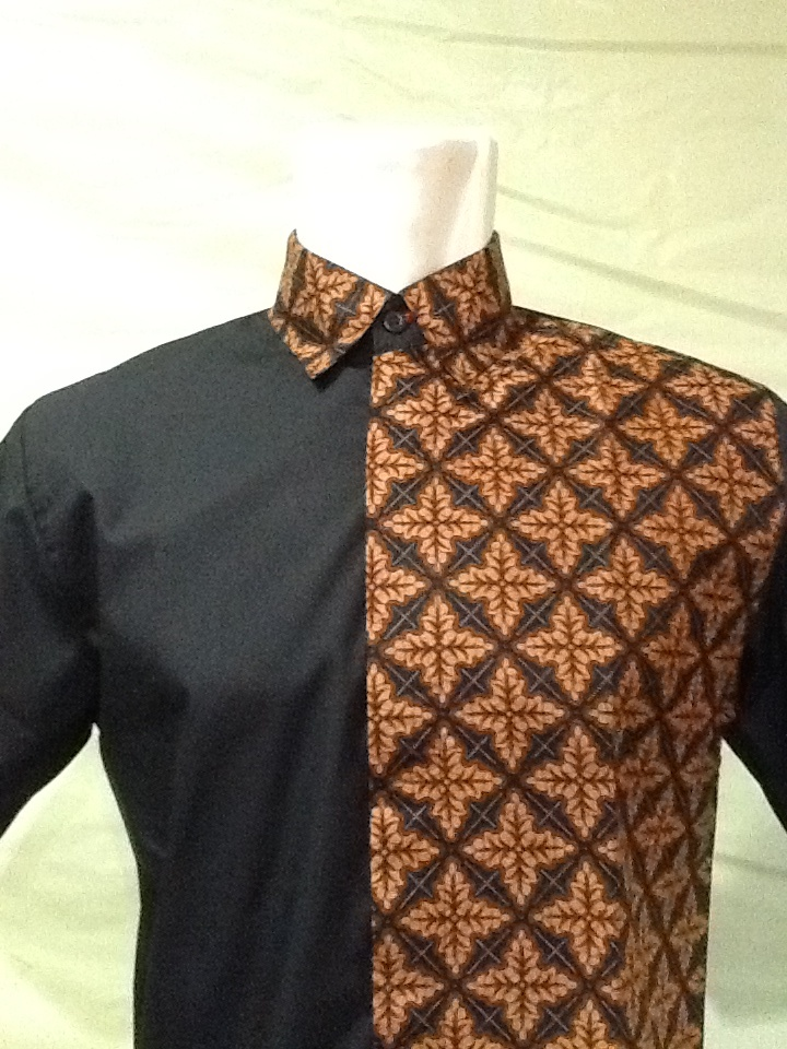 ROCKinc Man Indonesian Batik Shirt Follow our social media : twitter @rockincstore Instagram @rockinc_ID Mail us to rockinc.indonesia@yahoo.com Store at fX sudirman 1st and 3rd floor Keep on ROCKinc !