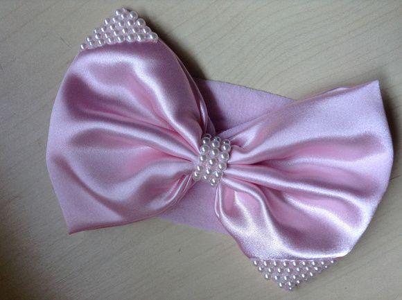 Faixa de meia laço grande rosa com perolas, suave, linda e delicada R$ 24,90