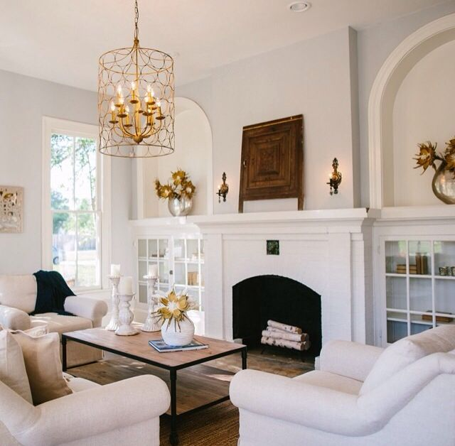 Joanna gainer hgtv fixer upper jojo and chip for Living room ideas joanna gaines
