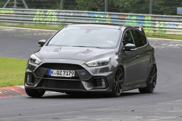 2.3-liter turbo engine, it has 350 horsepower and 350 pound-feet of torque in the RS model...could be small V-6 engine...2018 Ford Focus RS500 Price... #2018FordFocusRS500 #FordFocusRS500 #FordFocusRS