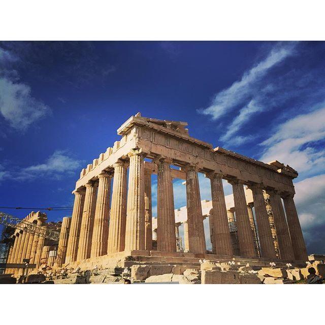 今回はInstagramのタグ数を参考にギリシャの人気観光地をランキング形式でご紹介します。これさえ見ておけばギリシャで行くべき王道観光地を抑えることができますよ。(※タグ件数取得日:2月13日)