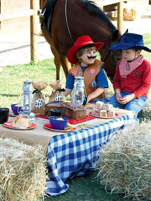 Cowboy party: corn muffins, hot dogs, trail mix