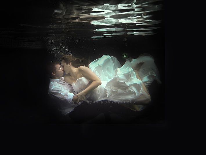 """Amazing """"trash the dress"""" wedding picture"""