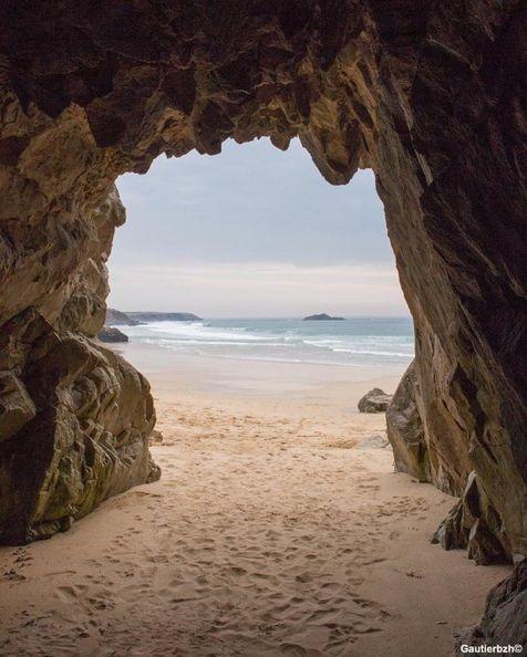 Arche de Port Blanc, Morbihan, Bretagne                                                                                                                                                                                 More