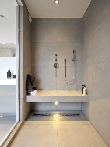 B'Bath Revêtement mural : carrelage grès céram Brix Pointing 50x50 coloris gris www.bbath.fr #maisonAPart