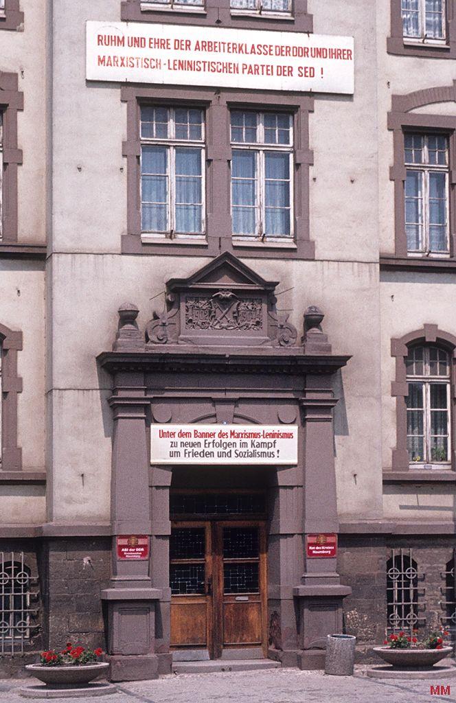 Propaganda: Ruhm und Ehre der Arbeiterklasse der DDR und ihrer Marxistisch-Leninistischen Partei der SED!   Naumburg, 1981