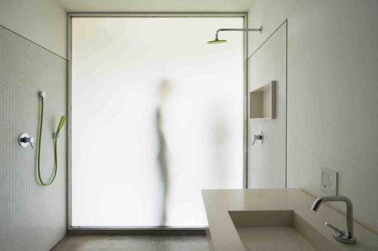Image 9 of 29 from gallery of Osler House / Studio MK27 – Marcio Kogan + Suzana Glogowski. Photograph by Pedro Vannucchi