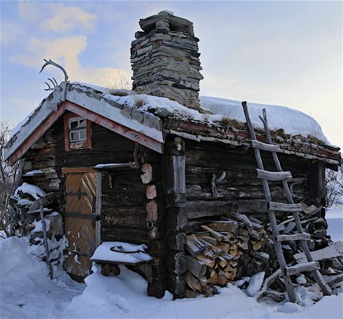 Cabins cabin love pinterest - Small log houses dream vacations wild ...