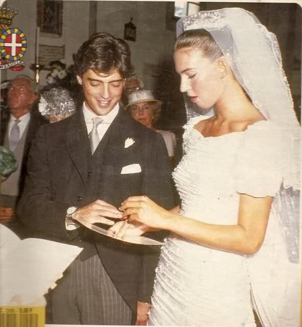 Bianca di Savoia Aosta (1966) sposa Gilberto Arrivabene Valenti Gonzaga (1961), nel 1988.