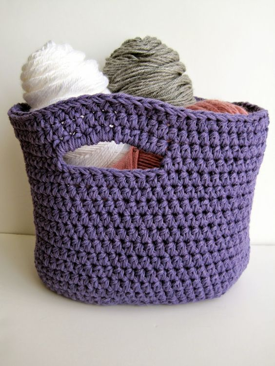 Crochet Stash Basket: free crochet pattern | She's Got the Notion