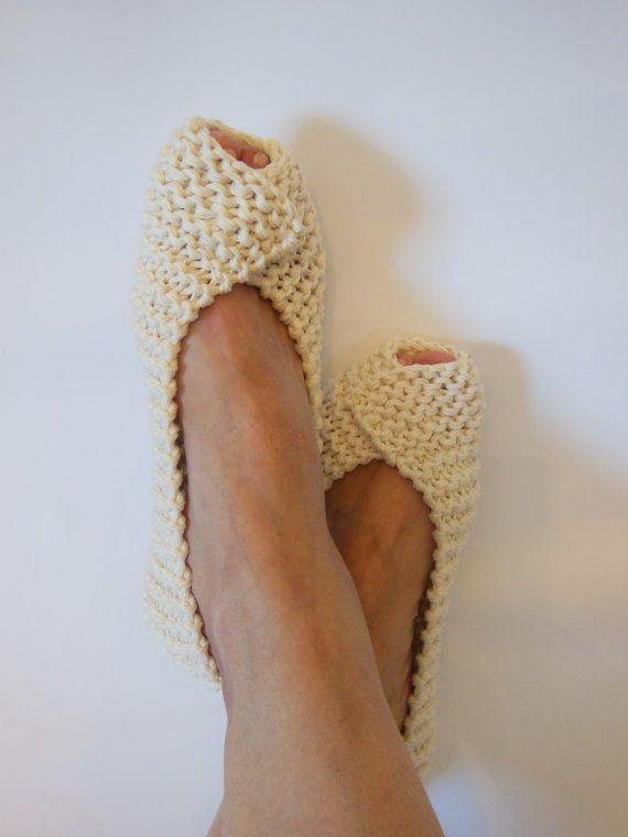 COTTON Womens Slippers - Footwear - Ballet flats - Handmade shoes - Knitted slippers - NenaKnit - Gift Wrapping - NonSlip Beige non slip womens slippers are knitted from 100% mercerized cotton, ideal for summer, spring, autumn. Slippers are intended to be used indoors and fit like home