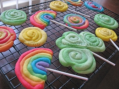 St. Patrick's Day Cookies: Cookies Dough, Desserts Recipe, Sugar Cookies, St. Patrick'S Day, St Patrick'S Day, Cookies Pop, Gold Coins, Amanda Cookin, Cute Cookies