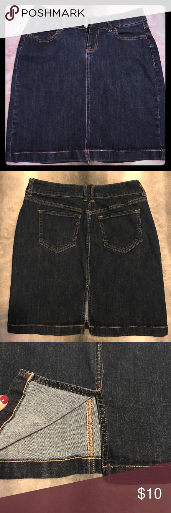 Old Navy short dark wash denim pencil skirt This dark wash denim skirt hits above the knee. It has a centered back slit and features pockets on the front and back. There are belt loops and a two button closure with a front zipper. Old Navy Skirts Pencil